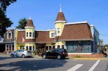 在加拿大,有这么一个壁画小镇,每年都吸引着众多的游客 时隔三年,我们再次来到了温哥华岛上的茜美纳斯小