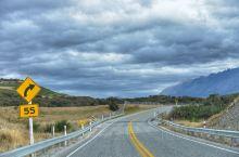 Fiordland National Park,位于蒂阿瑙地区,也是著名的荧火虫洞所在地。