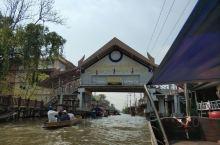 曼谷比较出名的水上市场,确实很有特色,就是卖东西太坑了,只能去见识见识
