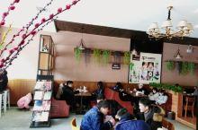 洞口县雪峰广场附加的这家研磨时光咖啡很不错,是加盟连锁店,店里的现磨咖啡口感非常好,咖啡拉花很很漂亮
