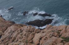 """浙江嵊泗列岛嵊山岛,个人感觉比枸杞岛更有味道。""""东崖绝壁""""在嵊山岛最东端,高达数十米,连绵数千米,直"""