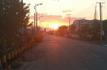 晚上都10钟了,太阳刚刚下山