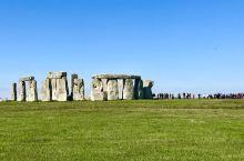 史前巨石阵Stonehenge 就在索尔兹伯里市Salisbury 附近。索市除了有个大教堂外,没有