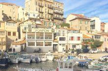 这是马赛一个传统的渔港,想要感受出海的惬意一定不要错过这里     在听到这个渔港的名字的时候,我很