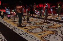 澳大利亚北领地 - 爱丽丝泉 - 世界最大型的原住民户外灯光节 Parrtjima