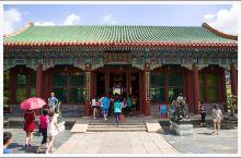 圆明新园于公元1997年2月2日正式建成并对外开放,它坐落于珠海九洲大道石林山下,占地面积为1.39