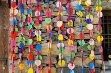 终南山寨位于柞水县营盘镇朱家湾村西沟峡,距柞水县城约18公里,距西安市42公里,是集居住、观光、体验