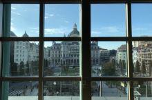 从住的旅馆望出去的安特卫普中央火车站果然是景色最漂亮的。到处充满惊喜的城市!