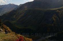 达力尔峡谷(Dariali)位于卡兹别克国家公园内,紧邻格俄边境,也是从陆路前往俄罗斯的必经之路。达
