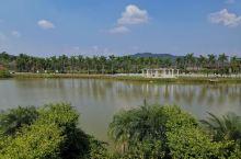 台山康桥温泉度假村,大人小孩都玩的很开心 两家一起订了个四房一厅的湖畔别墅,环境不错,温泉中心有儿童