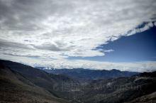 第1日,我们驱车来到了山上,最佳拍摄地'雪宝鼎'。 天气是特别的好,太阳照在身上,真的是,能感觉到紫