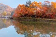 大石湖位于辽西古城义县瓦子峪镇东北12公里处,行政区划隶属于医巫闾山自然保护区碾盘沟管理处。