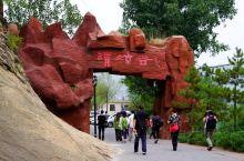 云蒙山深处,游人喜欢的峡谷中,四季轮回的景观    有幸在一年中多次走进位于北京密云云蒙山深处的清凉