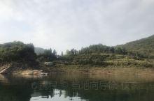 乌江,贵州流域面积最长的河流,乌江渡有着小三峡之美誉,游船波光粼粼沿江风光无限美!