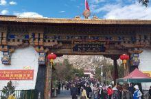 色拉寺今天600周年庆典,十分庆幸亲眼目睹如此盛况,爬高眺望也不气喘,已经适应了高原气侯啦