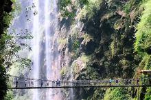 兴义之旅:壮观的万马奔腾,漫步万峰林。