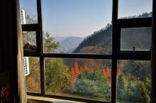 酒店给升级了景观房,吃饭的餐厅口味不错。酒店在南岩宫附近,在当地属高端酒店。