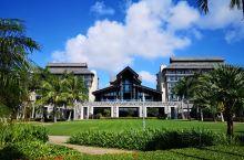 文昌鲁能希尔顿酒店,无论是环境还是人气都佳。从海口琼海博鳌文昌一路旅游,文昌的酒店人气是最高的。酒店
