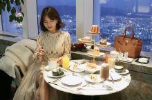 俯瞰首尔夜景 seoul sky79层高空下午茶   中国人不少的下午茶好去处 真的太美了!!
