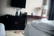 酒店虽然设施有些老旧,但是卫生比较干净!整体舒适度还不错!物有所值!不过在安丘已经可以说是比较好的酒