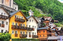 哈尔施塔特小镇只有不到2000人居住,房子都是背靠着山,面临着湖,依山傍水的不只是房子,还有古老纯朴