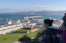摩洛哥丹吉尔  丹吉尔,摩洛哥最北面的地方。虽然和西班牙只隔着一条直布罗陀海峡,却是完全不同的风格。