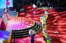 喜迎14冬,欢乐中国年!今天在呼伦贝尔体育场举办了呼伦贝尔市春节文艺晚会。晚会上,呼伦贝尔各行各业的