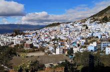 舍夫沙万•山顶酒店 第一瞥,就在山顶,蓝白小镇尽收眼底。