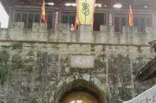 进入四川境内的第一座古城昭化古城。依山傍水。非常热闹。