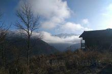 云端上的部落~上壳子 这里是电影《白马天堂》摄制组取景地。   平武·绵阳   【景点攻略】 详细地