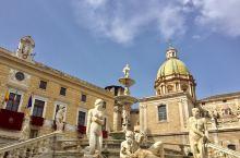 始建於1554年旳普雷托利亞噴泉 是巴勒莫的経典地標  噴泉廣場雄偉壯觀 圍繞著主雕像 環繞著大約三