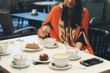 芬兰赫尔辛基,泡一个128年的咖啡馆—FAZER,1891年创立。 他家的巧克力也非常棒。肥死我吧,