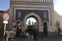 摩洛哥的非斯古城建于公元9世纪,这里有世界上最早建立的大学,1981年入选世界文化遗产