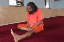 瑜伽、冥想入门秘笈 盘腿还不会的~~ 今儿高兴,啥也不说了… 我的印度私人瑜伽导师, 干货教你!!