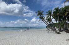 开心到模糊!白沙滩的沙子不愧最好的,软绵绵的像面粉一样,海水清澈的不像话,海里浪了好几天,晒得已经不