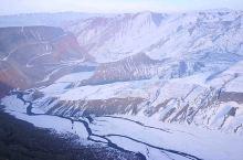 冬韵的安集海大峡谷