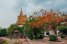 Wat Preah Prom Rath是暹粒最古老的寺庙之一,规模比较大,建于15世纪末,16世纪初