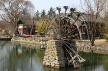 青云山民俗游乐园占地3000亩,是国家首批AAAA级旅游景区,位于国际风筝都——潍坊市南30公里处的