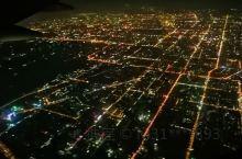 每次坐飞机到回西安的时候机长都会带我们在上空盘旋,观赏一下长安夜景