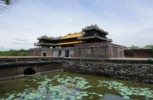 不说还以为自己在中国,因为顺化皇城就是彷北京紫禁城而建的,所以在参观这座故宫时,难免会让人觉得有中国