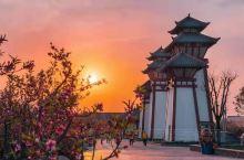 这个炎热的夏季去哪里才好呢 月日 ,在#水城三国小镇# 好玩又刺激的冰雪魔法世界来袭, 冰雪圣境、奇