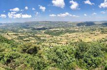 整理旧照片,又发现这张拍摄于肯尼亚东非大裂谷的旧照,嘻嘻😜