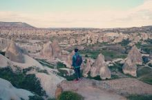 这里据说是土耳其的世界文化遗产之一,离格雷梅小镇不远,就在城东一公里的山坡上,可以从所在旅店叫车过去