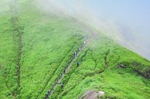 武功山高山之巅绵绵草甸 武功山是江西省西部旅游资源最为丰富的大型山岳型风景名胜区,历史上曾与庐山、衡