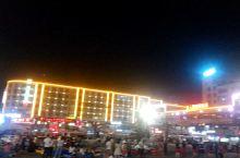 天华广场的夜景