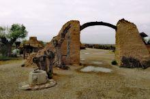 """水洞沟,位于宁川市郊19公里处,是中国最早发掘的旧石器时代文化遗址,被誉为""""中国史前考古发祥地"""