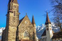 少女峰下迷人的小镇 因特拉肯是少女峰脚下的一个瑞士城市,也是瑞士著名的度假胜地之一,以一年四季醉人的