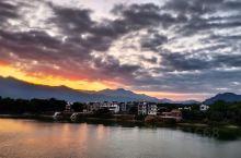 骑行路上惊鸿一瞥,广东英德大湾镇小北江晚霞和朝阳。