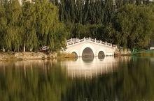 晨曦中的青城公园