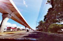 美国夏威夷欧胡岛之旅第六日~依依不舍也得再见了美丽的夏威夷美丽的欧胡岛。 前往机场,正点起飞,却在飞